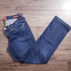 Lucky Brand Charlie Straight jeans 4/27 Long